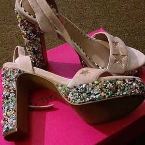 """Betsey Johnson Limited edition shoes """"Kenna"""""""